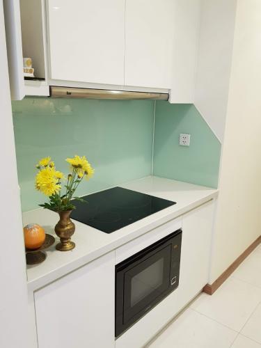 Phòng bếp Vinhomes Central Park Căn hộ Vinhomes Central Park tầng trung, hướng nội khu thoáng mát.