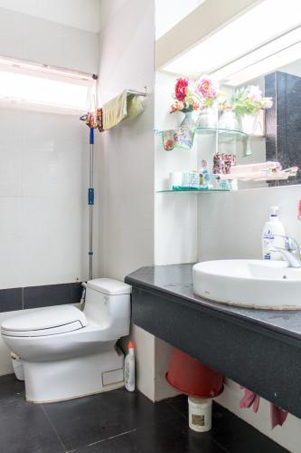 Phòng Tắm Bán nhà phố 2 tầng đường Đinh Bộ Lĩnh, Q.Bình Thạnh, diện tích 80m2, cách Bến xe Miền Đông 500m