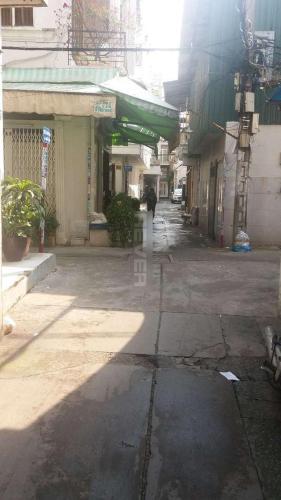 Sân trước nhà phố Huỳnh Văn Bánh, Phú Nhuận Nhà phố hẻm xe hơi, trung tâm thành phố, sổ hồng riêng.