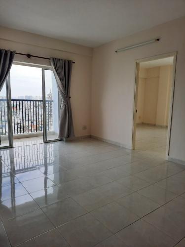 Phòng khách căn hộ Kim Hồng Fortuna, Tân Phú Căn hộ Kim Hồng Fortuna view thành phố thoáng mát, hướng Đông Nam.