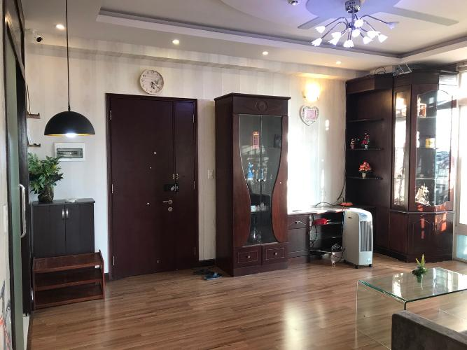 Phòng khách căn hộ chung cư Thuận Việt, Quận 11 Căn hộ chung cư Thuận Việt ban công hướng Đông Nam, view thành phố.