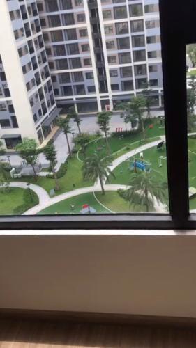View căn hộ Vinhomes Grand Park Căn hộ  tầng thấp Vinhomes Grand Park thoáng gió mát mẻ