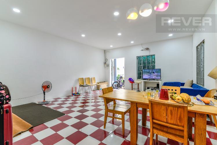 Phòng Khách Bán nhà phố Nguyễn Duy sổ đỏ chính chủ, nội thất đầy đủ