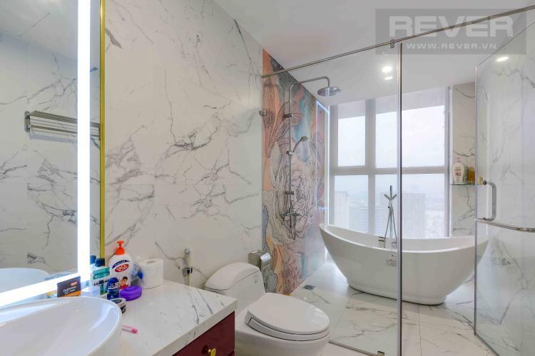 Toilet 1 Bán penthouse Masteri Millennium 3PN, diện tích 222m2, đầy đủ nội thất, view sông và Bitexco