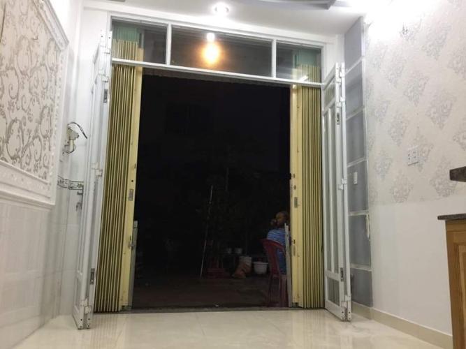 Phòng khách nhà phố đường Đào Tông Nguyên Nhà phố hướng Đông Bắc kết cấu 1 trệt 2 lầu pháp lý rõ ràng