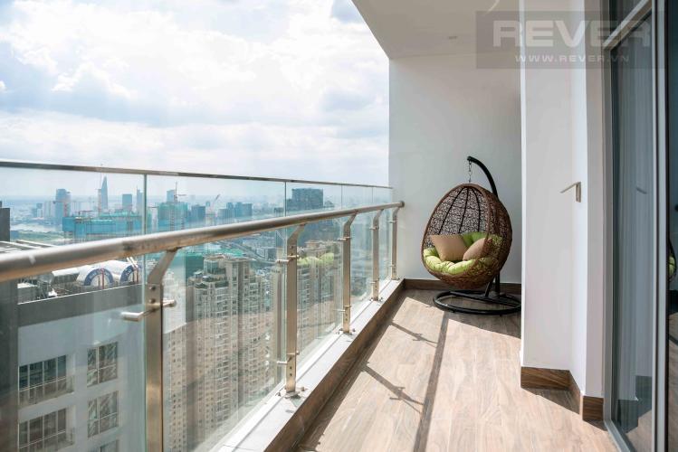 Ban Công Căn hộ Vinhomes Central Park tầng cao, 4PN, đầy đủ nội thất