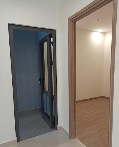 phòng ngủ 2 + logia Căn hộ Vinhomes Grand Park tầng thấp đón view nội khu.