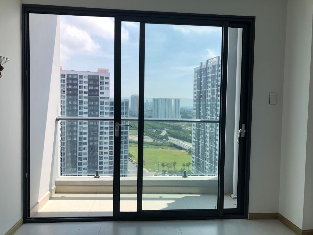 IMG-2106 Bán hoặc cho thuê căn hộ New City Thủ Thiêm 3PN, tầng 20, tháp Venice, nội thất cơ bản, view hồ bơi và sông Sài Gòn