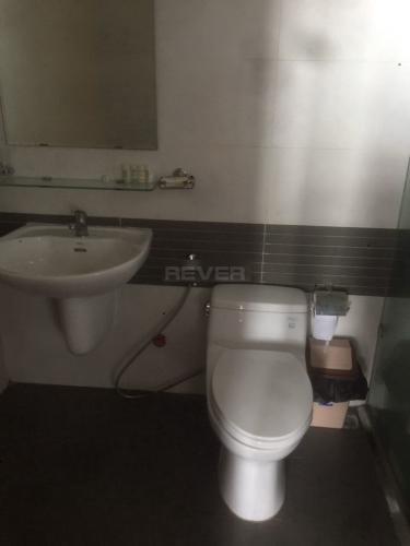 Phòng tắm căn hộ Him Lam Chợ Lớn Căn hộ Him Lam Chợ Lớn tầng thấp đầy đủ nội thất, hướng Tây.