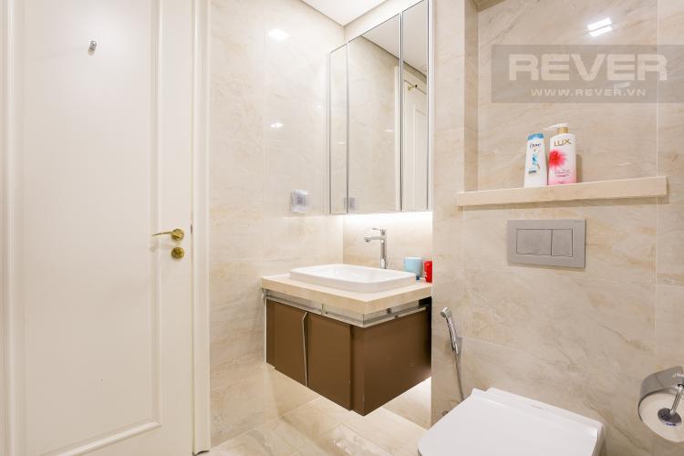 Phòng Tắm 2 Bán hoặc cho thuê căn hộ Vinhomes Golden River 3PN, tầng cao, đầy đủ nội thất, view sông Sài Gòn và Thủ Thiêm