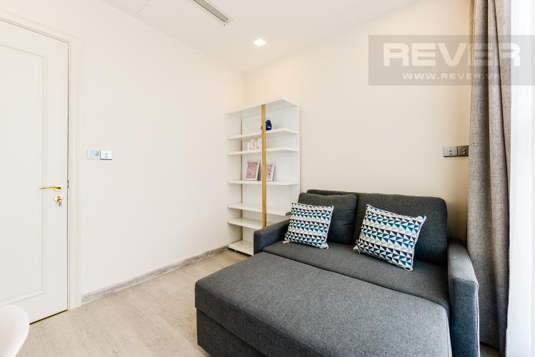 Phòng ngủ 2 Cho thuê căn hộ Vinhomes Golden River tầng cao, 2PN đầy đủ nội thất, view sông thoáng đãng