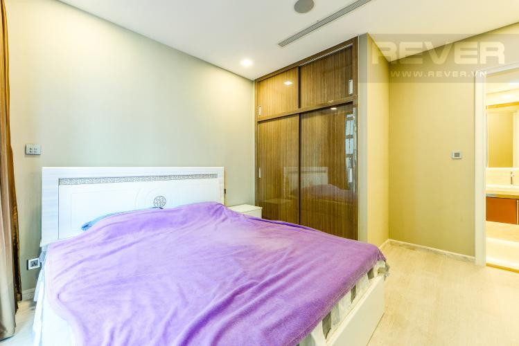 Phòng ngủ 1 Căn hộ Vinhomes Golden River tầng cao tháp The Aqua 1, 2PN nội thất đầy đủ