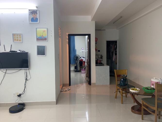 Phòng khách căn hộ Belleza Căn hộ tầng 10 Belleza Apartment thiết kế hiện đại, đầy đủ nội thất.