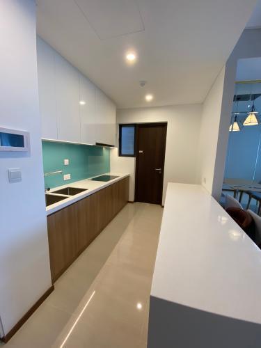 BẾP căn hộ One Verandah Căn hộ One Verandah đầy đủ nội thất, sàn lót gỗ, view thành phố.