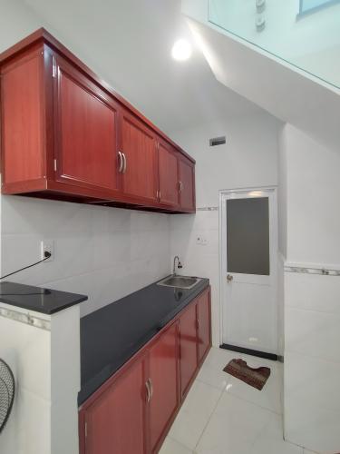 Phòng bếp Bán nhà phố hẻm đường Bến Vân Đồn, phường 5, quận 4, diện tích đất 26.7m2, diện tích sử dụng 49.8m2