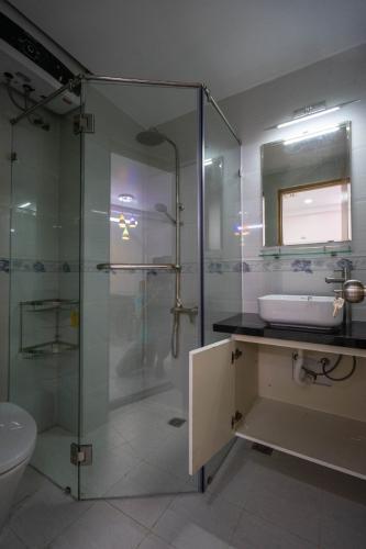phòng tắm căn hộ Saigon South Residence Cho thuê căn hộ Saigon South Residence nội thất đẩy đủ, view công viên