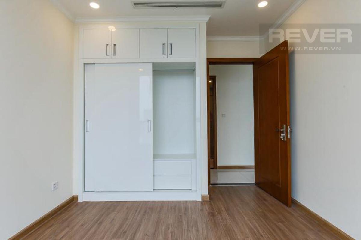 ea99b1b04eb3a8edf1a2 Bán căn hộ Vinhomes Central Park 3PN, tầng cao, nội thất cơ bản, view thành phố và sông Sài Gòn