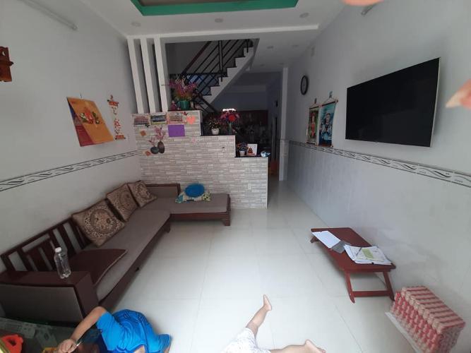 Bán gấp nhà hẻm Tôn Thất Thuyết, Quận 4, diện tích đất 35m2, có sân để xe, sổ hồng chính chủ
