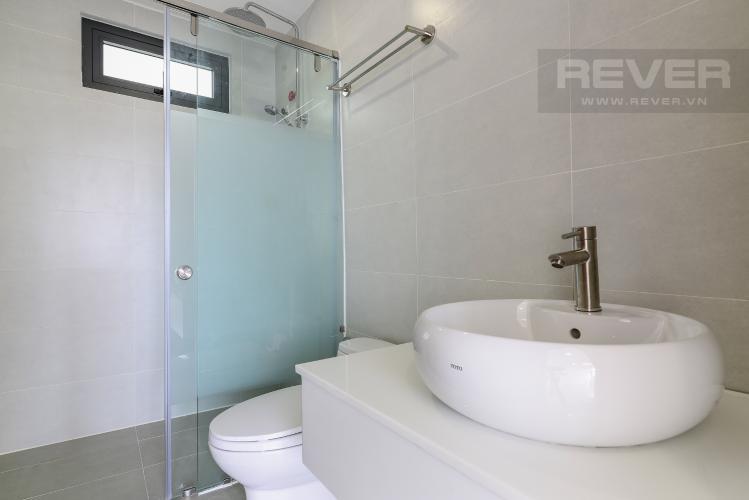 Phòng Tắm Tầng 2 Nhà phố mặt tiền đường Lê Văn Sỹ Quận 3 tiện kinh doanh