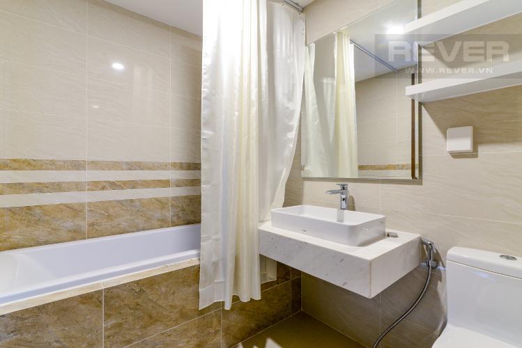 Phòng Tắm 1 Cho thuê căn hộ Saigon Royal 2PN, tháp A, đầy đủ nội thất, view Bitexco và sông Sài Gòn