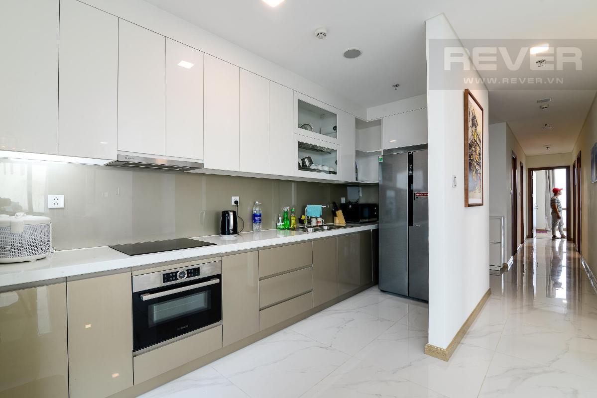 Nhà Bếp Bán hoặc cho thuê căn hộ Vinhomes Central Park 4PN, tháp Landmark 81, diện tích 164m2, đầy đủ nội thất, căn góc view thoáng