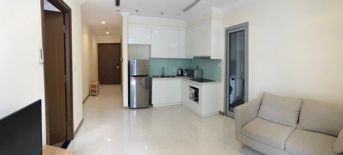 Cho thuê căn hộ tầng cao nội thất cơ bản, view nội khu Vinhomes Central Park