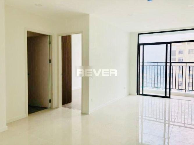 Căn hộ Central Premium view nội khu, nội thất cơ bản.