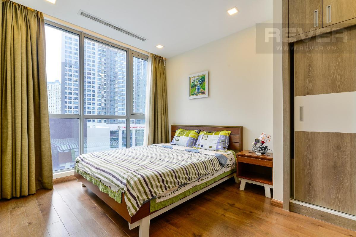 Master room Cho thuê căn hộ Vinhomes Central Park 2PN, tầng thấp, diện tích 75m2, đầy đủ nội thất, view nội khu