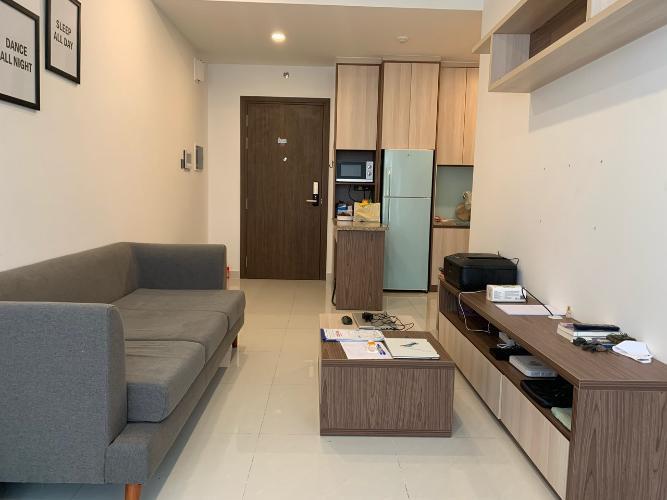 Căn hộ Officetel Saigon Royal hướng Đông Bắc, view nội khu hồ bơi.