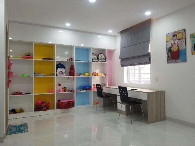 Phòng ngủ nhà phố Quận 9 Bán nhà 3 tầng đường Trịnh Công Sơn, Quận 9, hướng Đông Nam, thuộc khu nhà phố Rio Vista Khang Điền