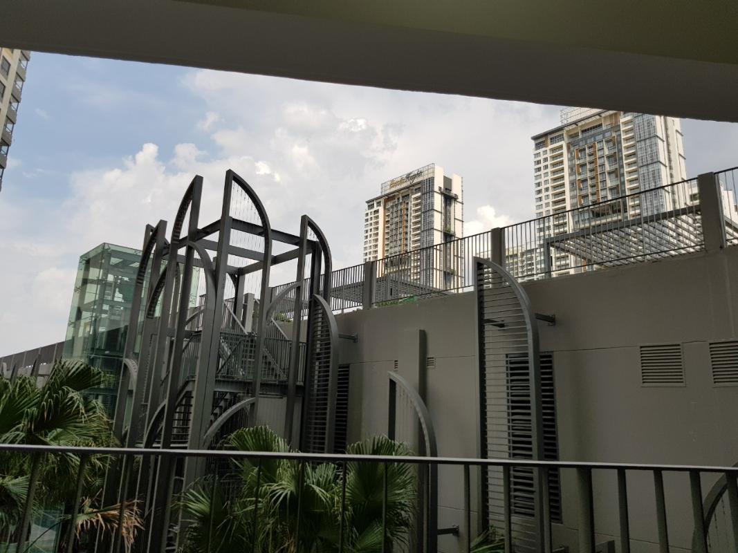 View hồ bơi Bán căn hộ officetel Masteri An Phú, tầng thấp, tháp A, diện tích 46m2, không có nội thất, view hồ bơi