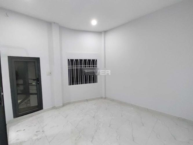 Phòng ngủ nhà phố Tân Phú Nhà phố diện tích sử dụng 125m2 hướng cửa Đông Nam, thiết kế kỹ lưỡng.