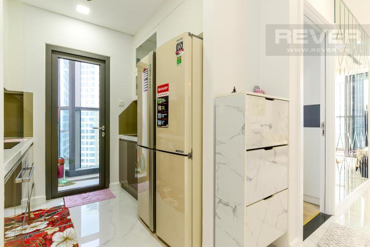 dbbee9336630806ed921 Cho thuê căn hộ Vinhomes Central Park 2PN, tháp Landmark 81, đầy đủ nội thất, hướng Đông Nam, view hồ bơi