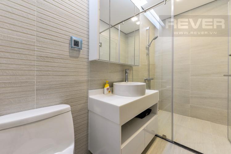 Phòng tắm Căn hộ Vinhomes Central Park 2 phòng ngủ tầng trung P4 view công viên