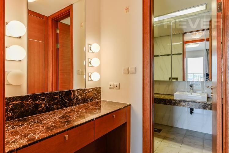 Phòng thay đồ 2 Căn hộ Xi Riverview Place 3 phòng ngủ tầng trung đầy đủ nội thất