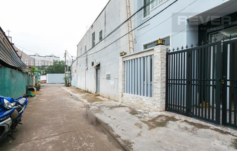 Lối Vào Nhà phố hẻm xe hơi đường Nguyễn Văn Giáp Quận 2