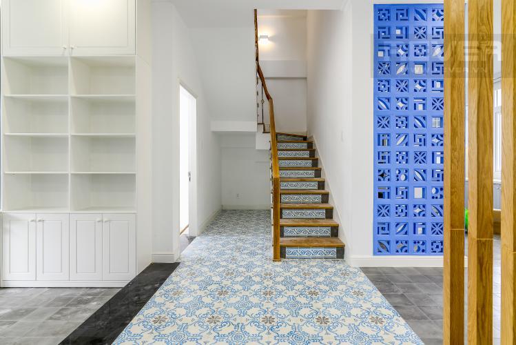 Góc Cần Thang Bán hoặc cho thuê biệt thự H8 Villa Park Quận 9, 3PN và 3WC, đầy đủ nội thất