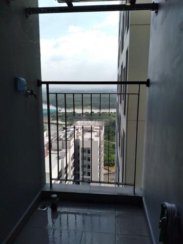 Ban công căn hộ Vinhomes Grand Park Căn hộ tầng cao Vinhomes Grand Park nội thất cơ bản, view thành phố.