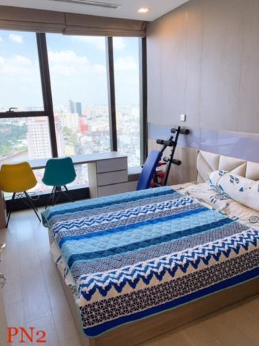 4 Bán căn hộ Vinhomes Golden River 2PN, tầng trung, đầy đủ nội thất, view sông và thành phố