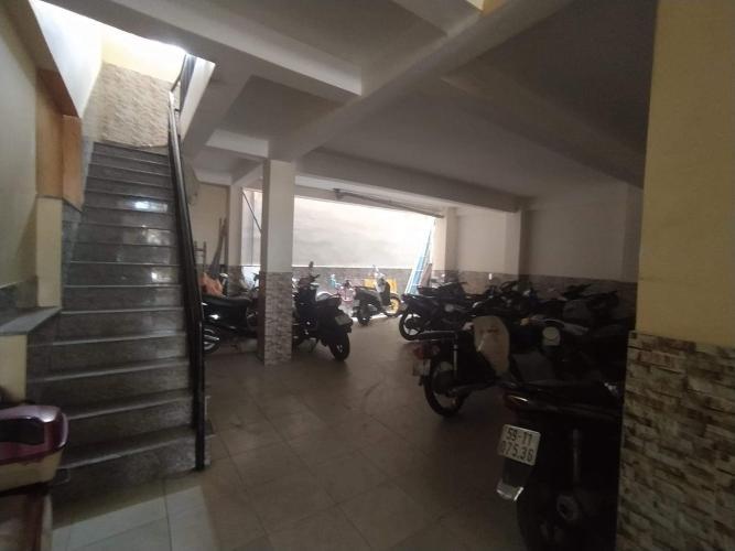 Hầm xe nhà phố Bến Phú Định, Quận 8 Nhà phố có dãy trọ cho thuê, hẻm xe hơi, trung tâm quận 8.