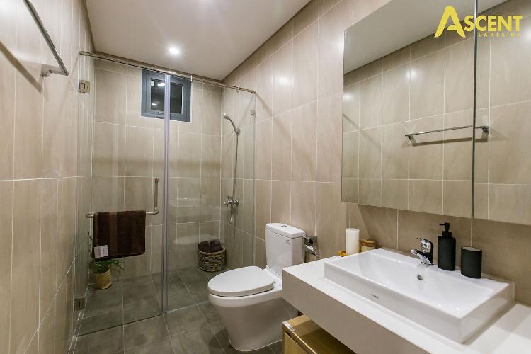Phòng tắm căn hộ Ascent Lakeside, Quận 7 Căn hộ Ascent Lakeside view tầng cao thoáng mát, nội thất cơ bản.