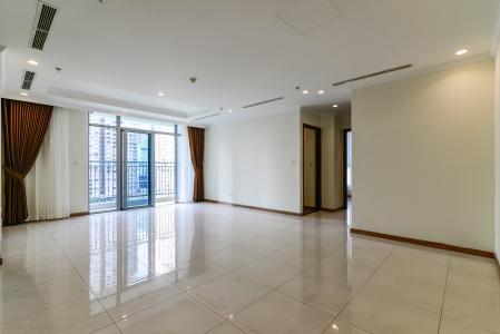 Bán căn hộ Vinhomes Central Park 3PN tầng trung tháp C3, diện tích lớn 121m2, không gian yên tĩnh