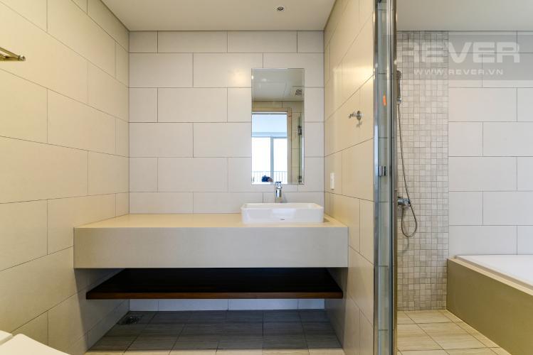 Phòng Tắm 2 Cho thuê căn hộ Waterina Suites 3PN, tầng trung, nội thất cơ bản, view sông và Landmark 81