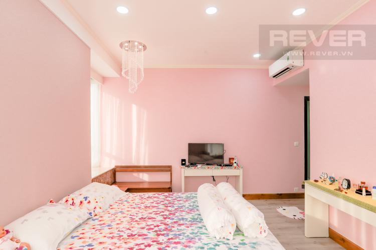 Phòng Ngủ 1 Căn hộ Sunrise City tầng cao, khu South, 3PN