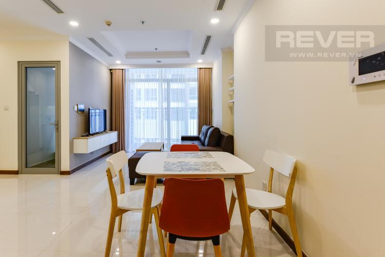 Bàn ăn Căn hộ Vinhomes Central Park 2 phòng ngủ tầng cao L6 nội thất đầy đủ