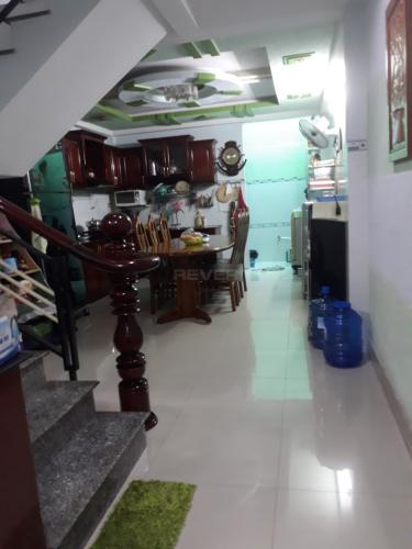 Nhà phố Lâm Thị Hồ quận 12 Nhà phố hướng Nam hẻm oto, sổ hồng riêng, nội thất cơ bản.