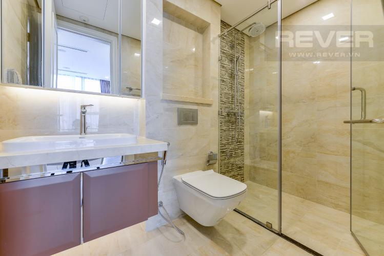 Phòng tắm 1 Căn hộ Vinhomes Golden River tầng thấp A3 view sông 2 phòng ngủ
