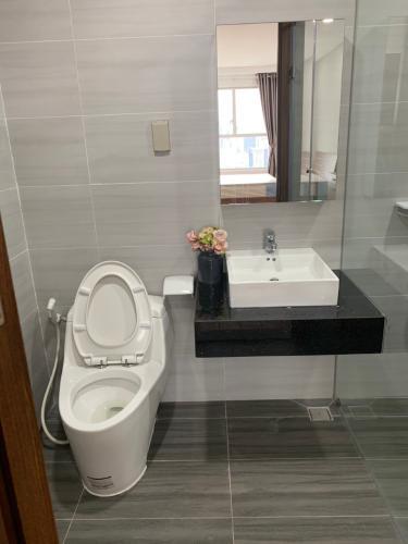Phòng tắm , Căn hộ Sunrise Cityview , Quận 7 Căn hộ Sunrise City View tầng 25 view thành phố thoáng mát, đầy đủ nội thất.