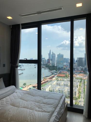 Phòng ngủ căn hộ Vinhomes Golden River Cho thuê căn hộ Vinhomes Golden River 2PN, đầy đủ nội thất, view sông và Bitexco, xem nhà 24/24