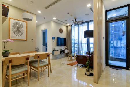 Cho thuê căn hộ Vinhomes Golden River tầng cao 2PN, đầy đủ nội thất, view sông Sài Gòn và Bitexco